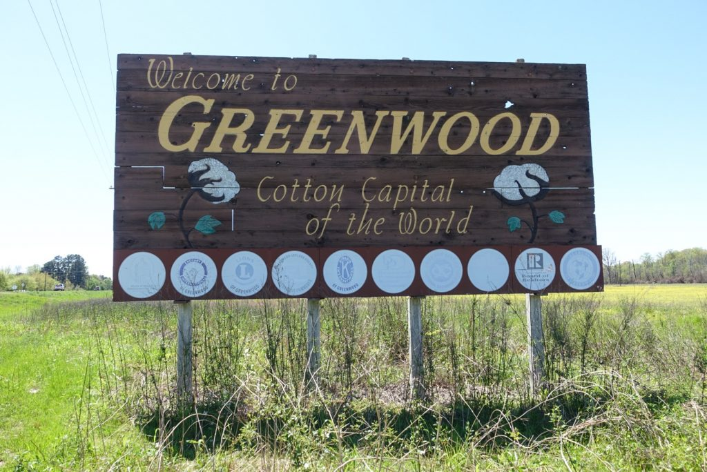 Welcome to Greenwood, MS sign
